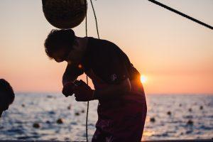 真鶴漁師の岩牡蠣養殖の挑戦|真鶴岩カキ養殖プロジェクト